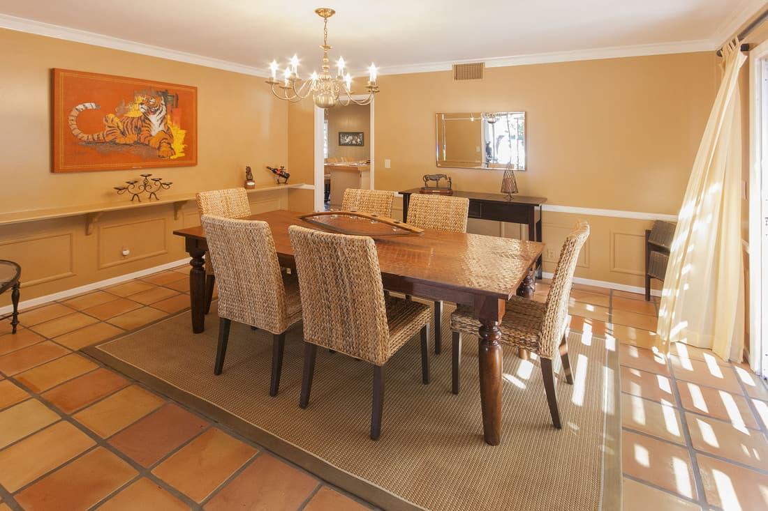 Decorating with saltillo tile floors meze blog for Dining room tile designs