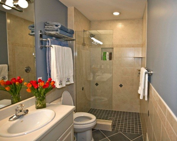 Tiled Bathrooms Decoration