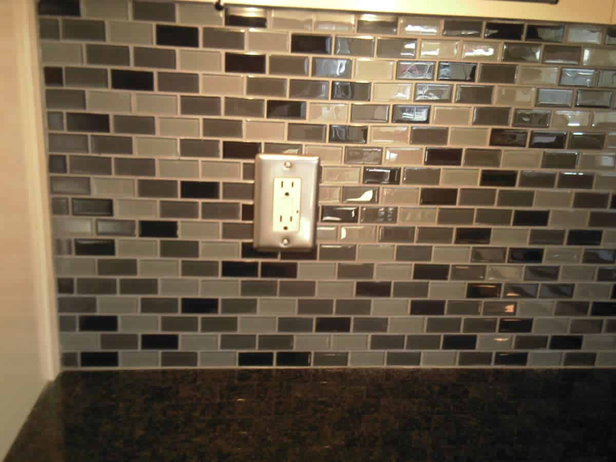 Glass Tile Backsplash Ideas Photo
