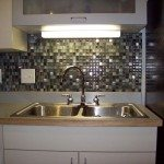 Glass Tiles Kitchen Style